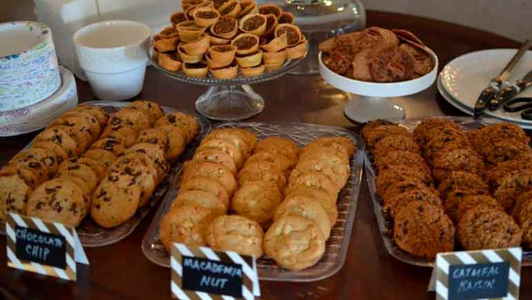 Galletas y pasteles comprados en tiendas